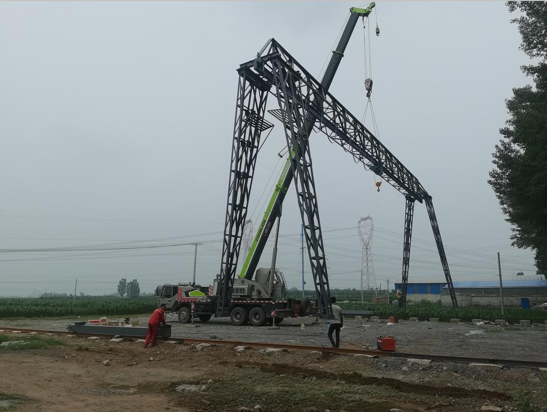 西甲万博app建筑工厂龙门吊